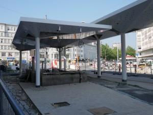 Anpflasterung Stützen Haltestellendächer (3)