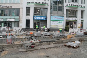Baufortschritt zentrale Platzfläche (2)