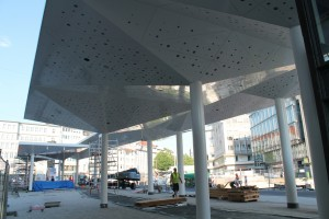 Fertigstellung Haltestellendächer (2)