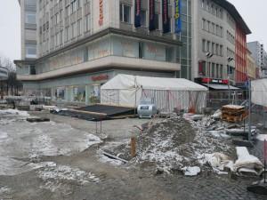 Zeltarbeiten am Jahnplatz (1)