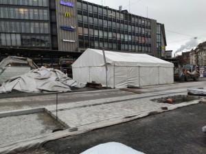 Zelte vor dem Cafe Europa (2)